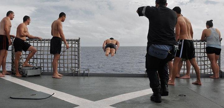 28_jumping_ship_DSC_2942wide